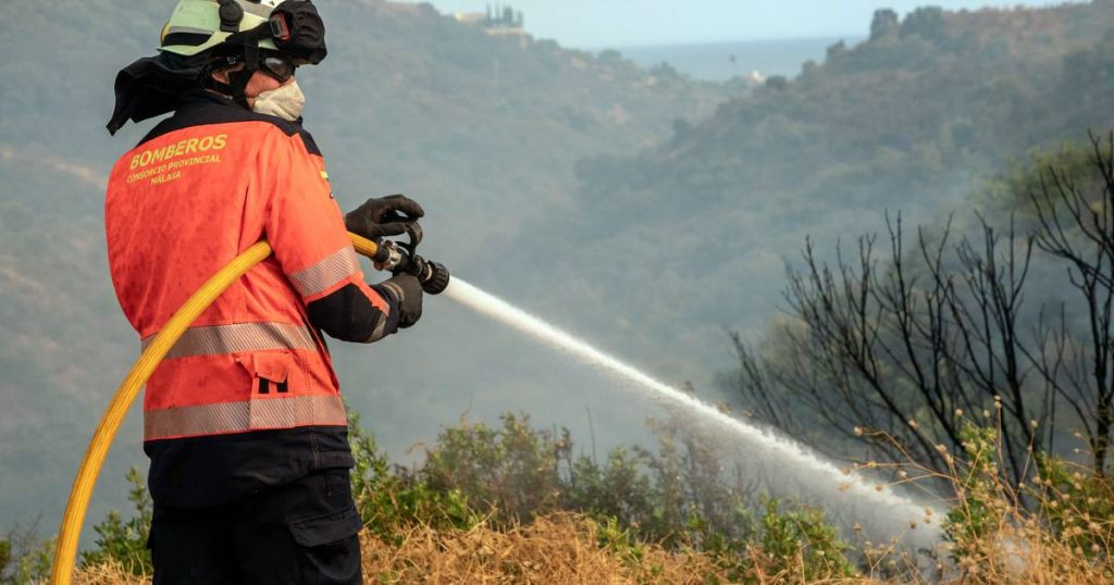 Spain deploys its army and preemptively evacuates it due to fires: we haven't seen a forest fire like this in years |  Abroad