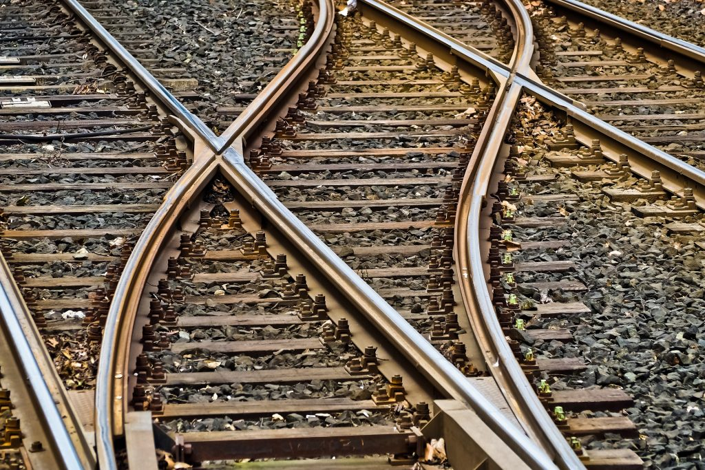 Start scientific research on climate-resistant railways