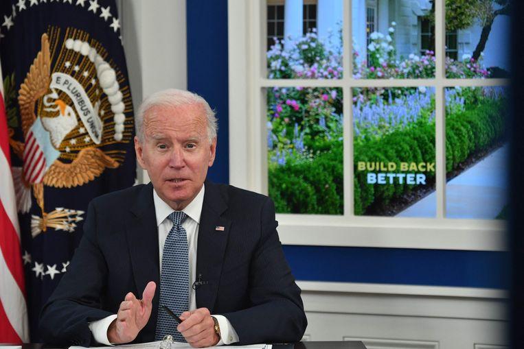 Biden criticized the use of fake decor in White House speeches