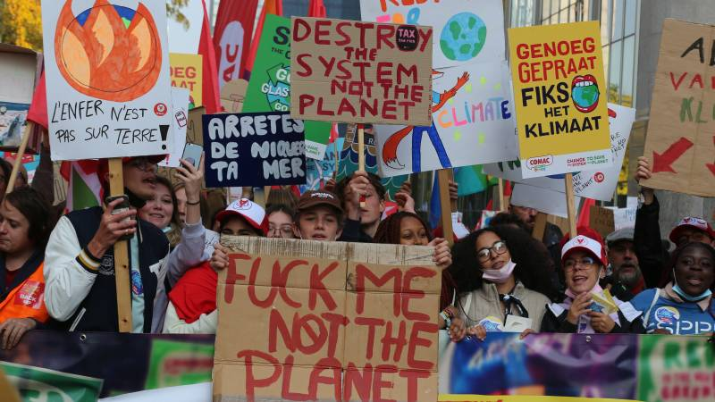 Climate protest in Brussels, protesters marching through the city