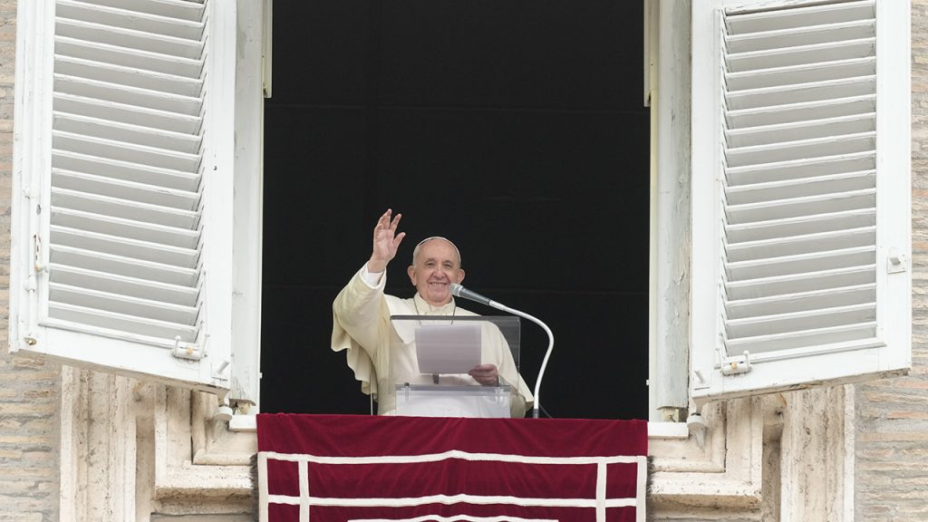 Vatican asks employees to vaccinate